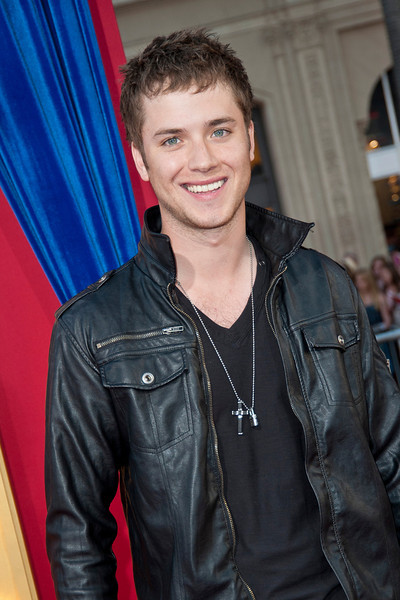 HOLLYWOOD, CA - MARCH 11: Actor Jeremy Sumpter attends the premiere of Warner Bros. Pictures' 'The Incredible Burt Wonderstone' at TCL Chinese Theatre on Monday, March 11, 2013 in Hollywood, California. (Photo by Tom Sorensen/Moovieboy Pictures)