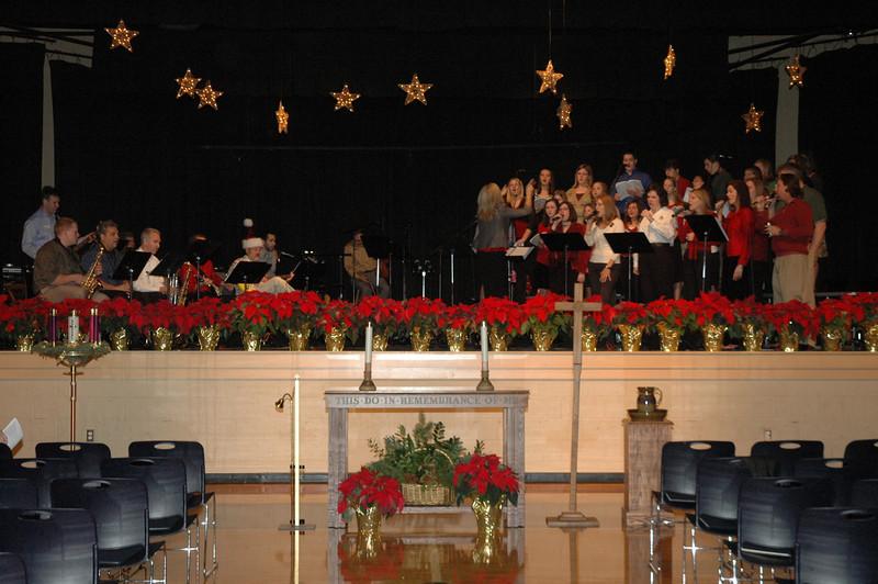 Asbury Youth Praise Christmas Concert 2007_02.JPG
