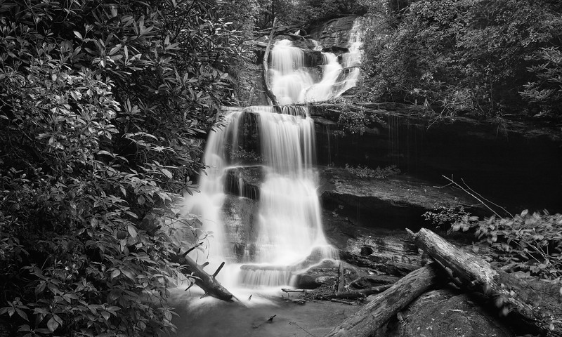 Martins Creek Falls bxw _3745.jpg