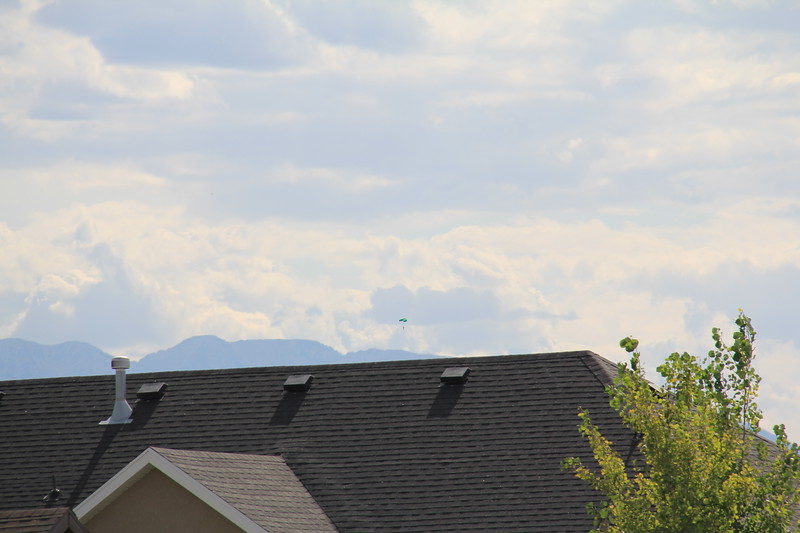 20180720-001 - Utah - Parachuter from the Front Porch.JPG