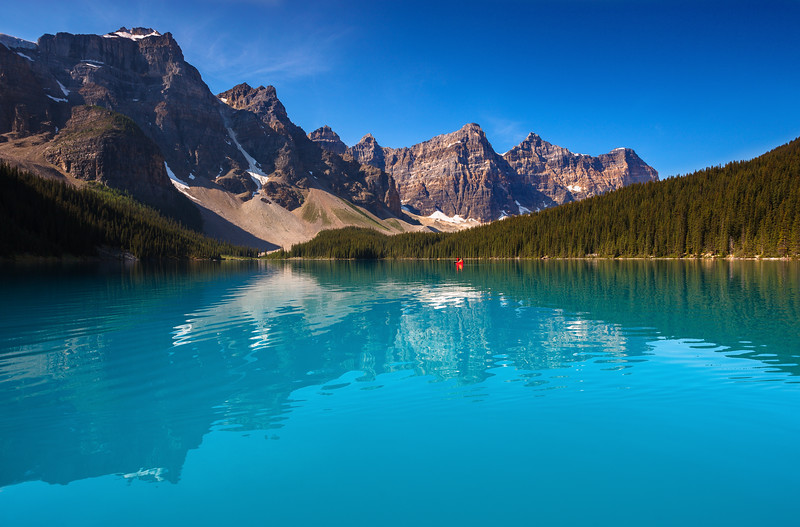 Moraine Lake, Banff National Park. Alberta, Canada.