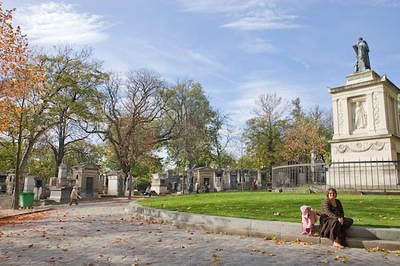 Sunny day at the cemetery, Pere Lachaise, Paris