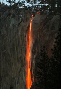 firefall-phenomenon-wows-visitors-at-yosemites-el-capitan
