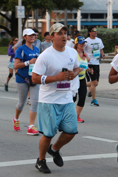MB-Corp-Run-2013-Miami-_D0635-2480611897-O.jpg