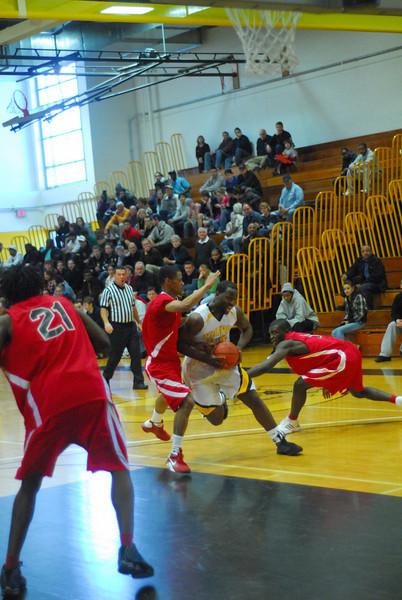 20090301_MCC Basketball_5612.JPG