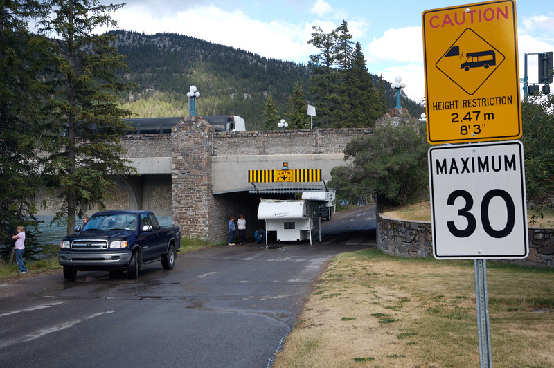 Seems Canadians don't always read the road signs either.  I'd thought we Americans might have an exclusive on that.....
