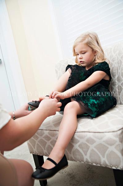 Hillary_Ferguson_Photography_Melinda+Derek_Getting_Ready146.jpg