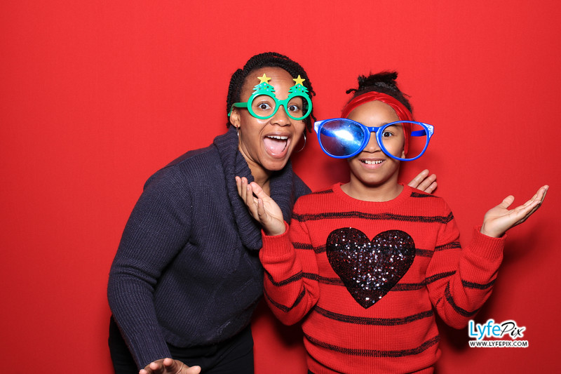 eastern-2018-holiday-party-sterling-virginia-photo-booth-0140.jpg