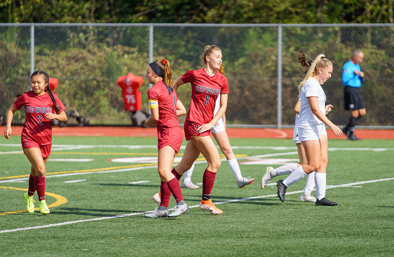 2019-09-28 Varsity Girls vs Meadowdale 031.jpg