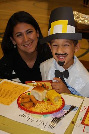 2013-11-22 Kindergarten Thanksgiving Feast