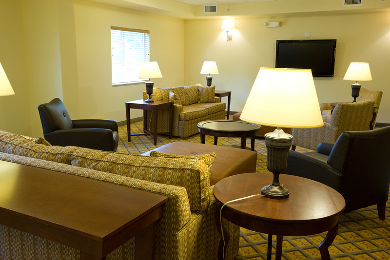 CANDLEWOOD SUITES FORT MYERS Living Room021.jpg