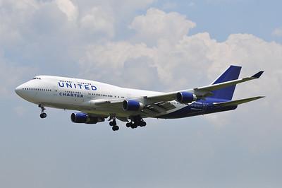 747-400 / 744