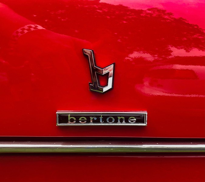 Bertone body tag Alfa Romeo Montreal