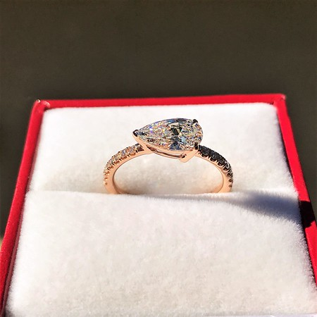 0.95ct 18kt Rose Gold Pear Ring GIA F I1