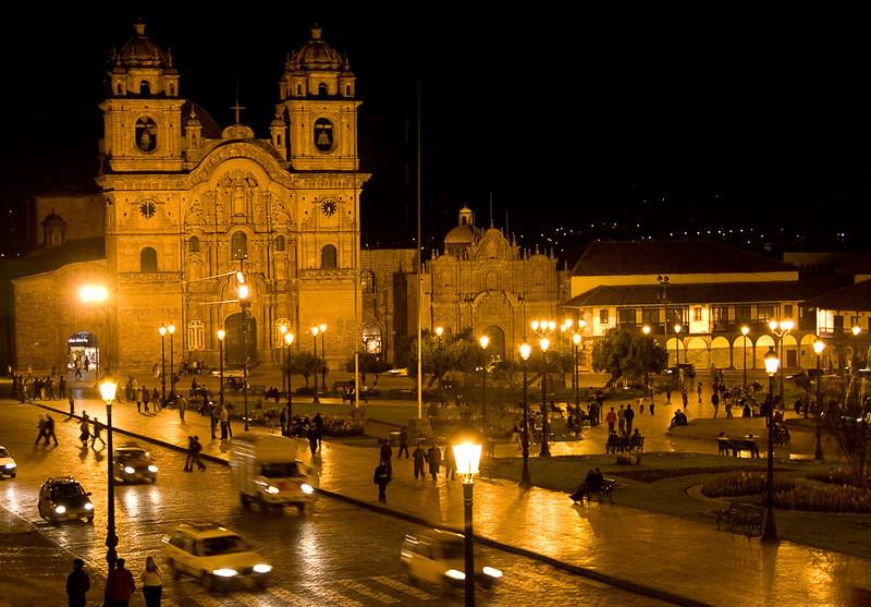 0761_Cusco_Plaza_de_Armas.jpg