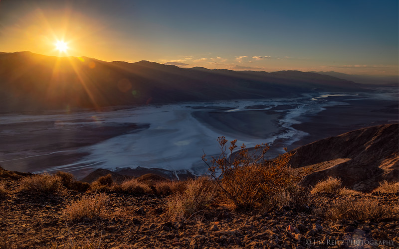 Sunset captured at Dante's View, overlooking Death Valley.