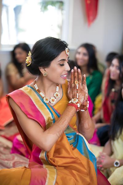 Hina_Pithi_Pooja-102.jpg