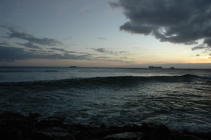 Hawaii - Ala Moana Beach Sunset-139.JPG