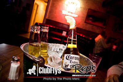 2009-04-25 [Ladies Night, Reps Sports Bar, Fresno, CA]
