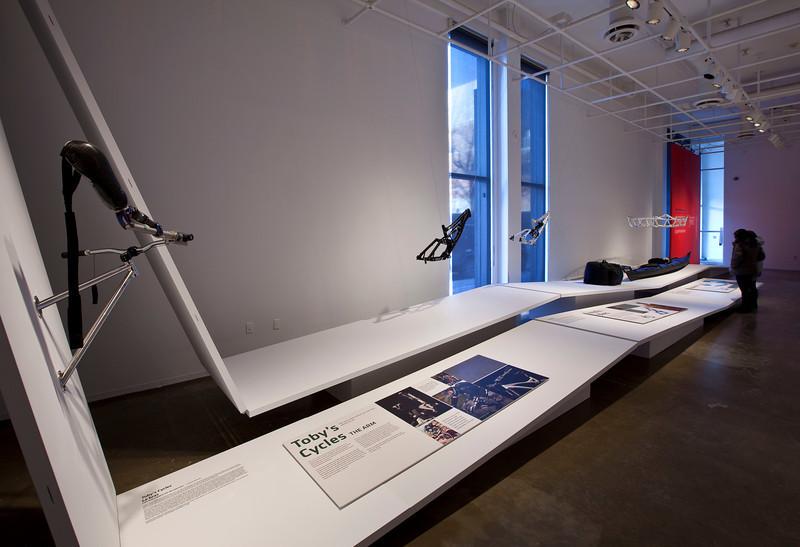 High Performance - Exposition - Centre de design - saison 2010-2011 - Crédit photo Michel Brunelle