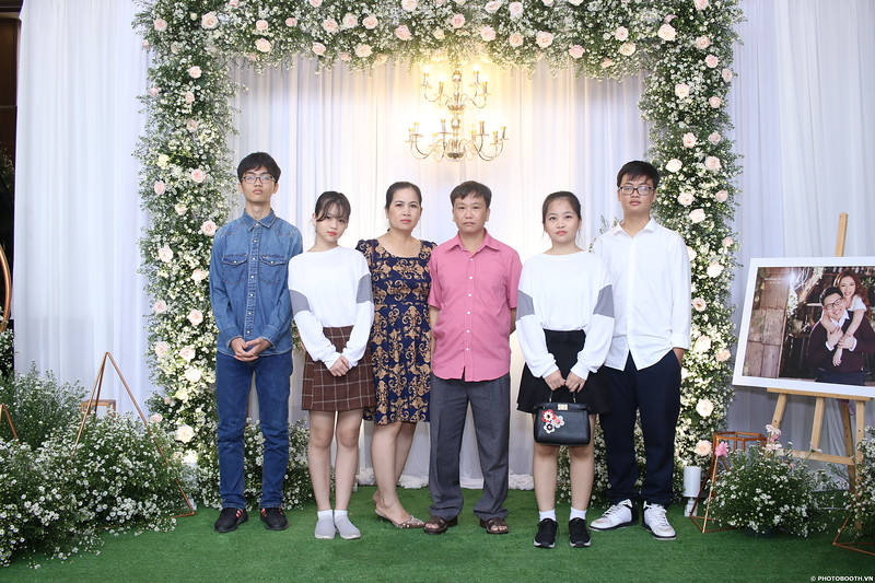 Vy-Cuong-wedding-instant-print-photo-booth-in-Bien-Hoa-Chup-hinh-lay-lien-Tiec-cuoi-tai-Bien-Hoa-WefieBox-Photobooth-Vietnam-021.jpg