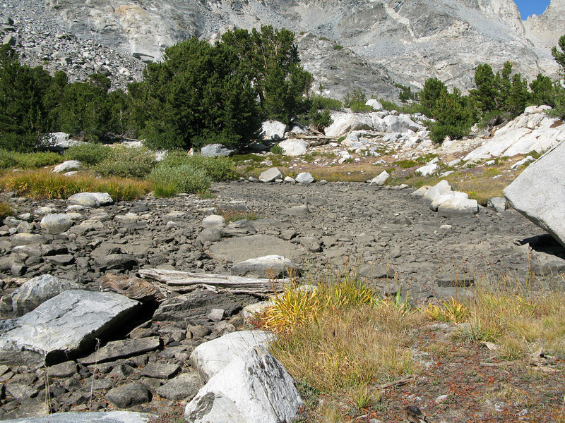 creek outlet from lake is dry - not flowing
