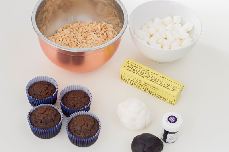 ingredients for toothless cupcakes