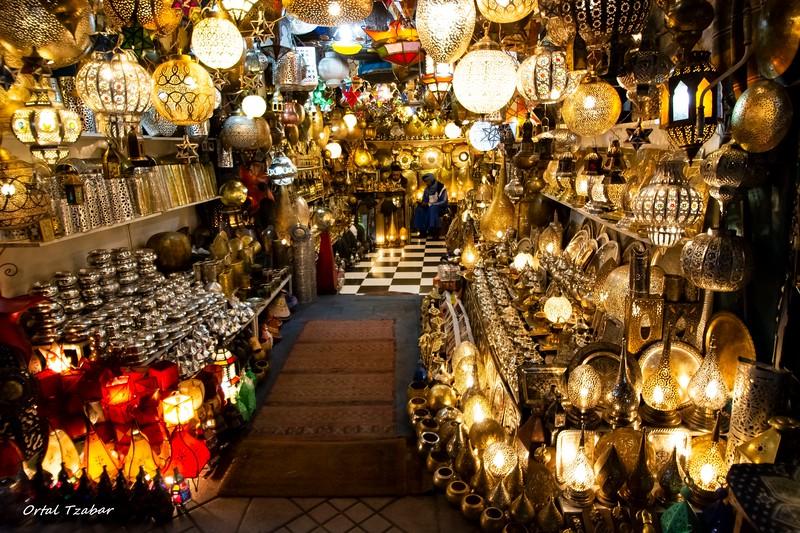 מנורות בככר ג'מע.jpg