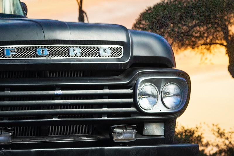 Ford F100-15.jpg