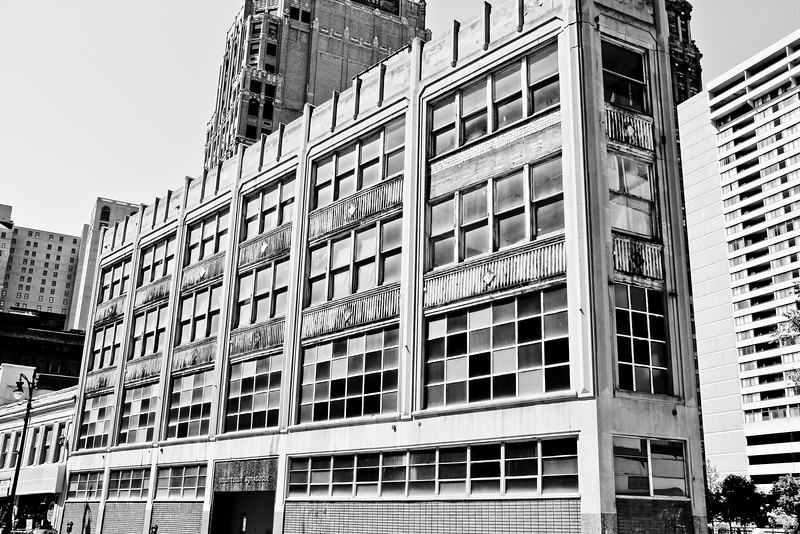 detroit bw colorful building michigan photography janna bissett lilacpop-1.jpg