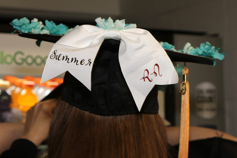 PreGrad and caps (106).jpg