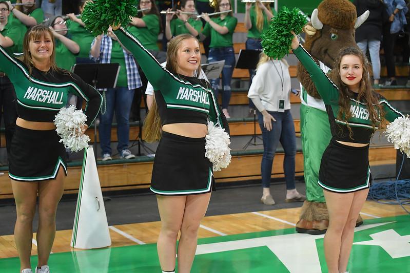 cheerleaders3354.jpg