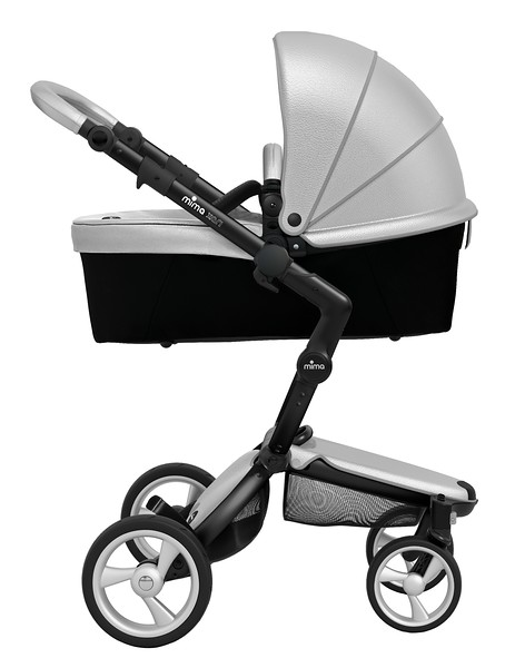 Mima_Xari_Product_Shot_Argento_Black_Chassis_Black_Side_View_Carrycot.jpg