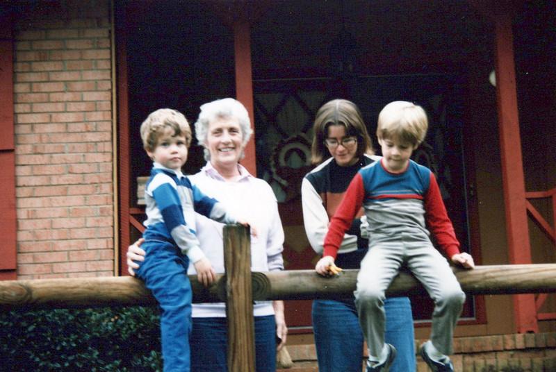 AJ, Viv, Elaine, Max 1985.jpeg