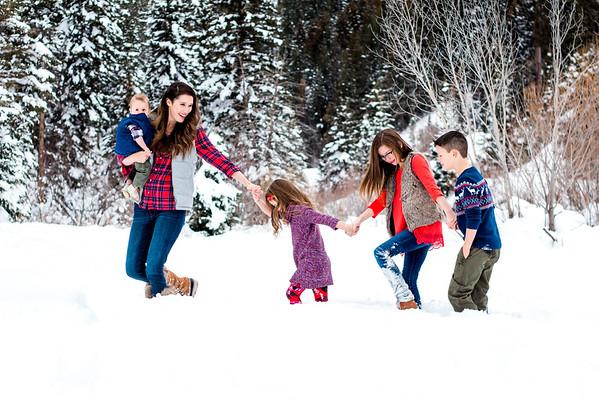 Winter Family Pictures by Rachel Garrett
