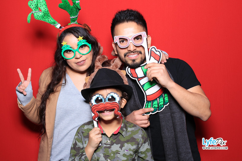 eastern-2018-holiday-party-sterling-virginia-photo-booth-0175.jpg