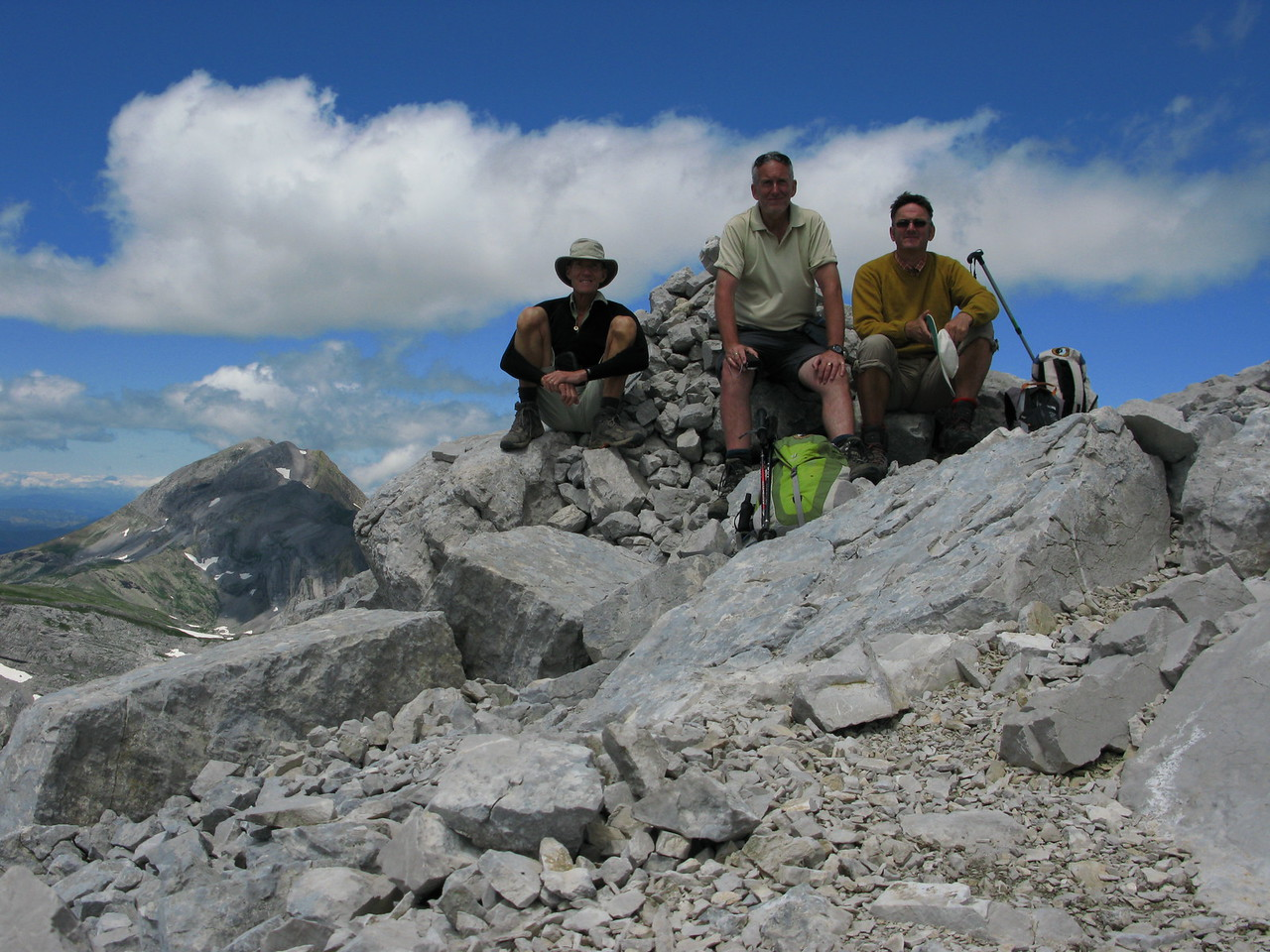 On the summit of Pico Llena del Bozo 2566m