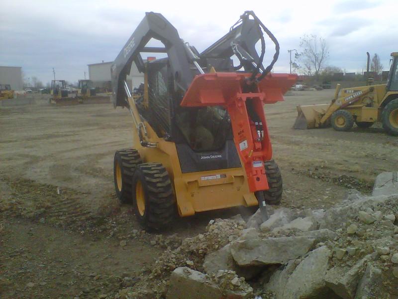 NPK GH2 hydraulic hammer on Deere 326D skidsteer (4).jpg