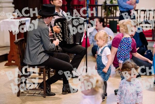 © Bach to Baby 2017_Alejandro Tamagno_RegetntsPark_2017-07-15 014.jpg