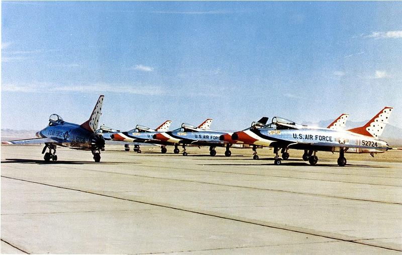 Thunderbirds F-100Cs