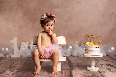 Timeea • Smash the cake