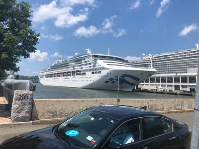 Cruiseboot, niet de onze