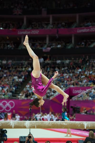 __02.08.2012_London Olympics_Photographer: Christian Valtanen_London_Olympics__02.08.2012__ND43912_final, gymnastics, women_Photo-ChristianValtanen