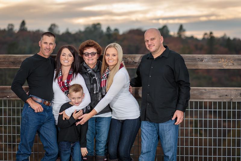 11-25 Mel's Family-136.jpg