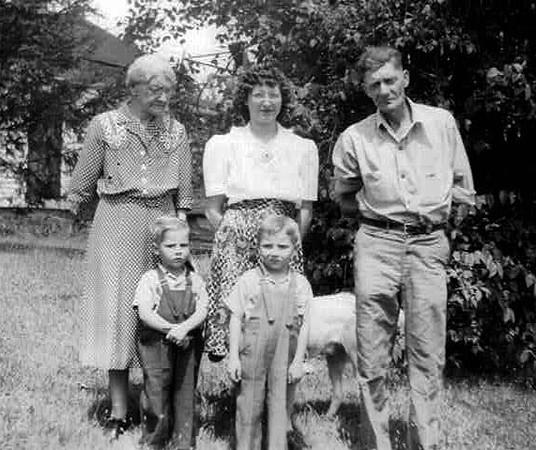 Left to right: Cora Mowen (Don's Great Grandmother & Leland's Mother), Donny Lee, Dorothy Lee, Bobby Lee, Leland Mowen