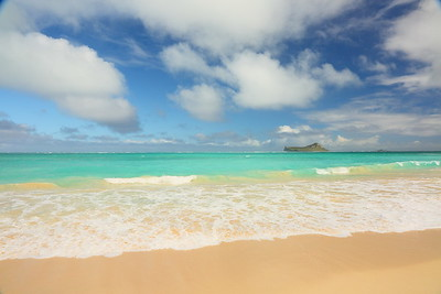 Surf at Waimanalo Beach. © 2020 Kenneth R. Sheide