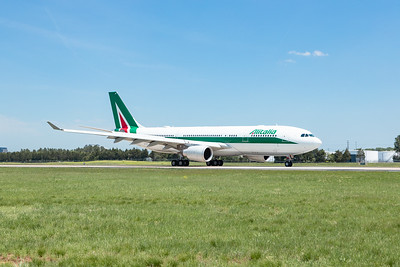 20190502 - Alitalia at IAD