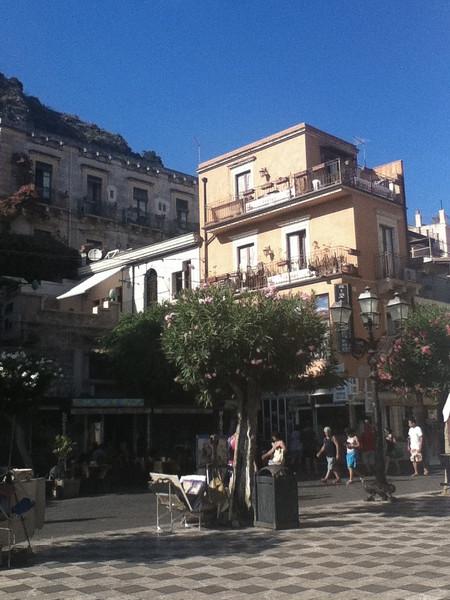 20110812-Ginka-Sicily-20110812--IMG_1235--0187.jpg
