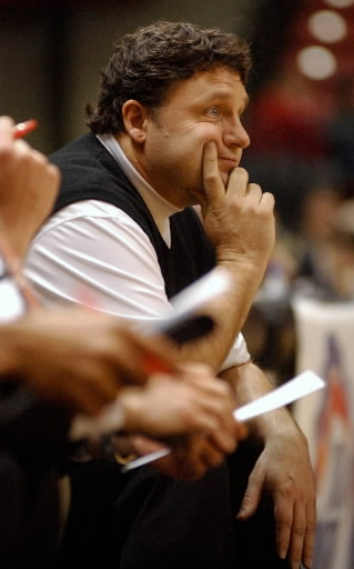 . Oakland University men\'s basketball head coach Greg Kampe watches his team play Western Illinois during second half action, Saturday, March 3, 2007, at the UMAC in Tulsa, OK.  Oakland beat WIU, 74-57.  (The Oakland Press/Jose Juarez)