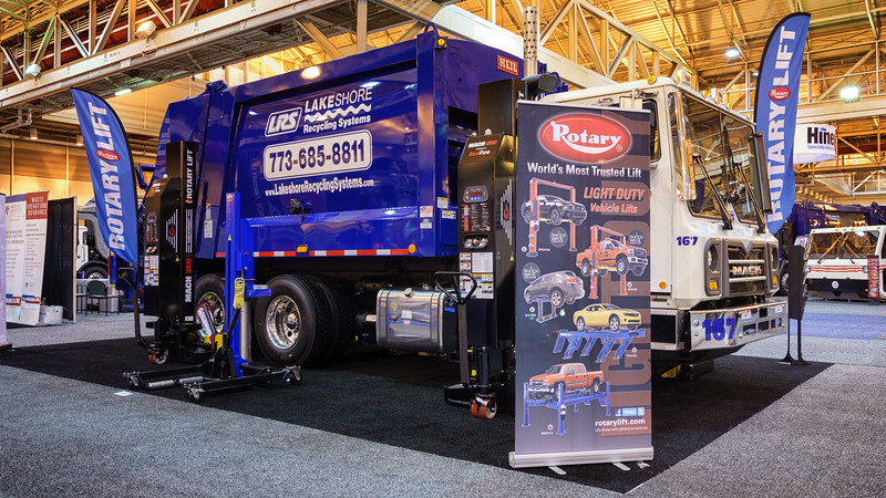 Lakeshore Recycling Services Mack MRU Heil 5000 Rear Loader